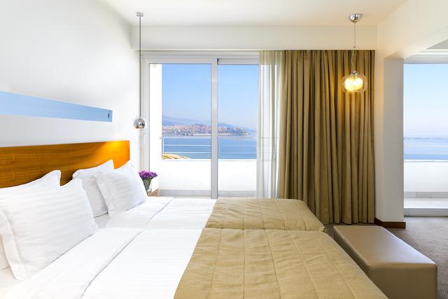 Lucy Hotel Kavala - Малък апартамент с изглед към морето